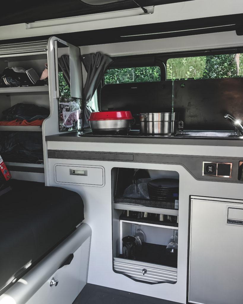un van fonctionnel avec de nombreux rangements